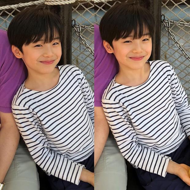 Sao nhí 9 tuổi của Thư ký Kim bỗng thành hiện tượng vì quá điển trai, tài năng: Nam thần tương lai đây rồi! - Ảnh 5.