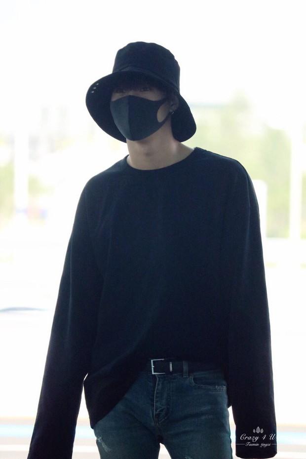 Nam thần đình đám Taemin (SHINee) bất ngờ có mặt ở Đà Nẵng, bịt kín nhưng vẫn bị fan phục kích tại sân bay - Ảnh 11.