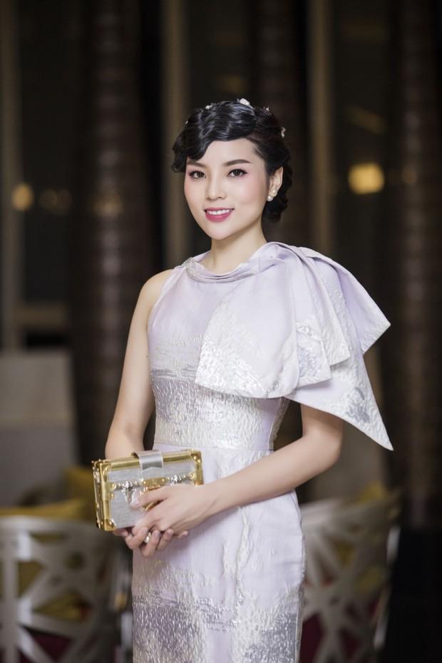 Không chỉ Huỳnh Anh vắng mặt khiến cả trăm người phải chờ đợi, nhiều sao Việt còn gây bức xúc vì làm việc thiếu chuyên nghiệp - Ảnh 9.