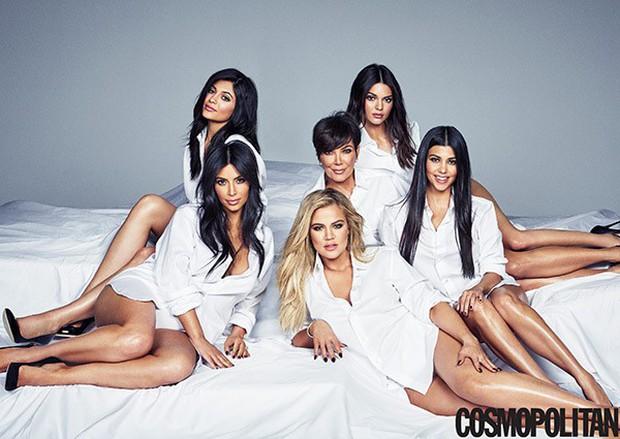 Không ghen tị, Kim Kardashian còn bênh Kylie khi em út bị gièm pha nhờ nhà giàu mới mau thành tỷ phú - Ảnh 3.