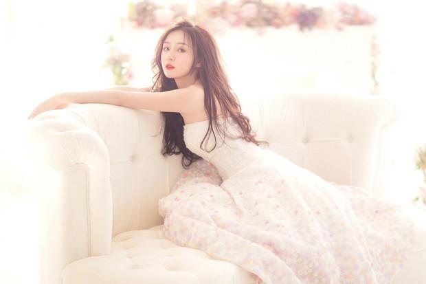 Thánh nữ giới streamer Trung Quốc: Sở hữu vẻ đẹp mong manh và giọng hát cực hay hút 4 triệu fan - Ảnh 1.