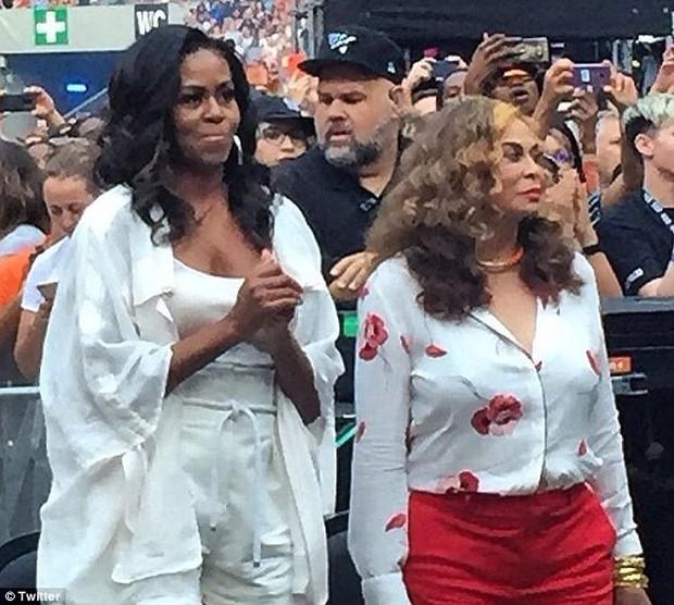 Bà Michelle Obama quẩy hết mình tại nhạc hội Paris của Jay-Z và Beyonce, tiện thể ăn mừng chiến thắng của đội tuyển Pháp - Ảnh 4.
