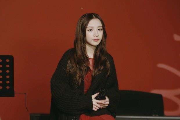 Thánh nữ giới streamer Trung Quốc: Sở hữu vẻ đẹp mong manh và giọng hát cực hay hút 4 triệu fan - Ảnh 3.