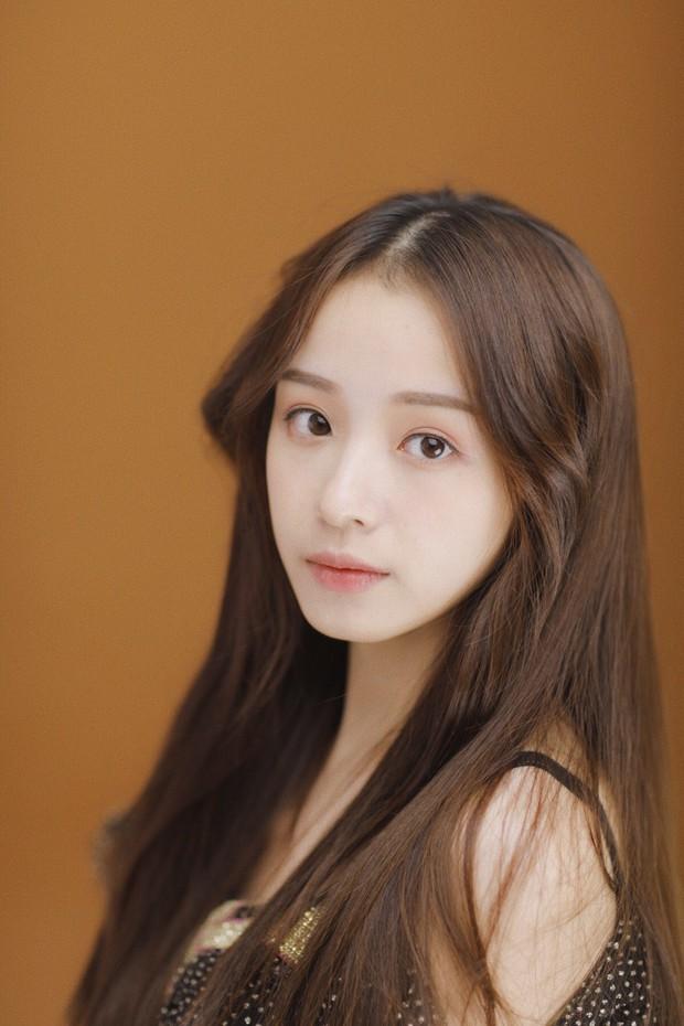 Thánh nữ giới streamer Trung Quốc: Sở hữu vẻ đẹp mong manh và giọng hát cực hay hút 4 triệu fan - Ảnh 9.