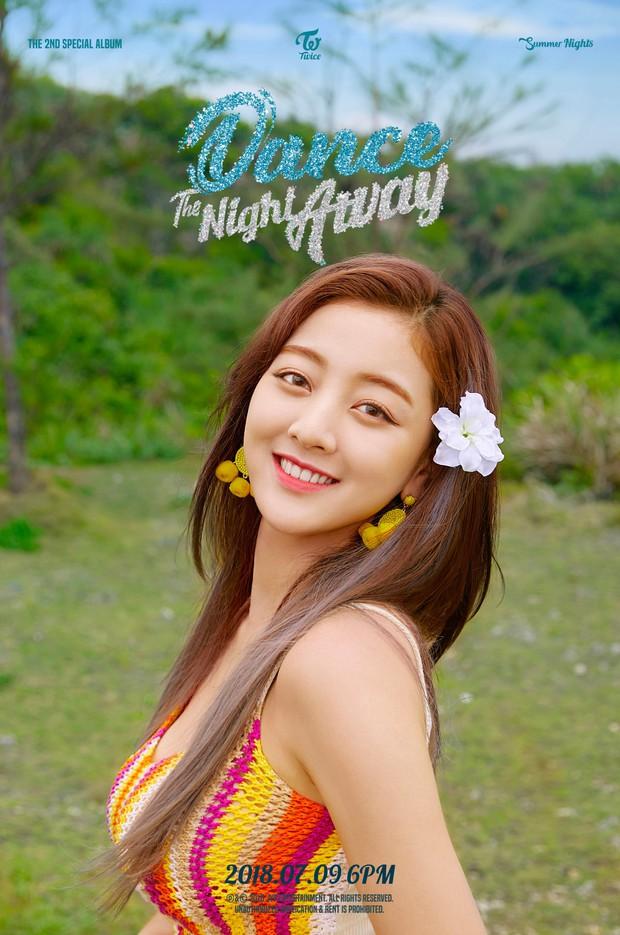 Da nâu khỏe khoắn khác hẳn chuẩn mực da trắng kiểu Hàn, Jihyo (Twice) vẫn được netizen khen tận trên mây - Ảnh 3.