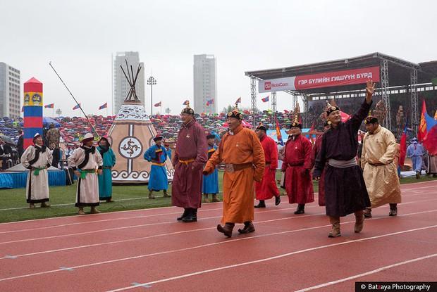 Chùm ảnh tuyệt đẹp về lễ hội Naadam đầy màu sắc của người dân Mông Cổ - Ảnh 15.