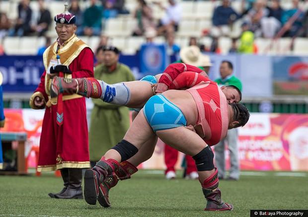 Chùm ảnh tuyệt đẹp về lễ hội Naadam đầy màu sắc của người dân Mông Cổ - Ảnh 16.