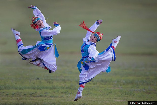 Chùm ảnh tuyệt đẹp về lễ hội Naadam đầy màu sắc của người dân Mông Cổ - Ảnh 23.