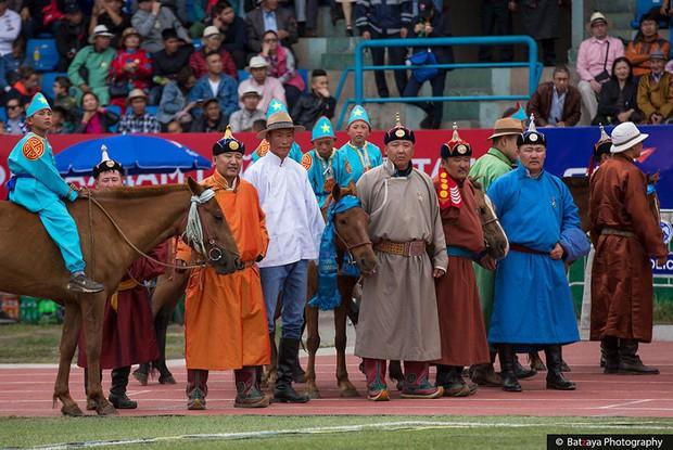 Chùm ảnh tuyệt đẹp về lễ hội Naadam đầy màu sắc của người dân Mông Cổ - Ảnh 22.