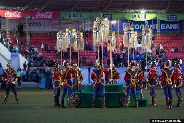 Chùm ảnh tuyệt đẹp về lễ hội Naadam đầy màu sắc của người dân Mông Cổ - Ảnh 25.