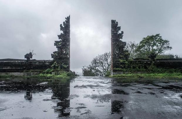 Khách sạn bỏ hoang bí ẩn trên đảo Bali: Hoàn hảo từ kiến trúc đến vị thế nhưng không bao giờ mở cửa - Ảnh 4.