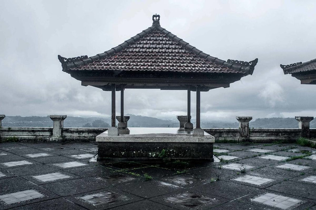 Khách sạn bỏ hoang bí ẩn trên đảo Bali: Hoàn hảo từ kiến trúc đến vị thế nhưng không bao giờ mở cửa - Ảnh 5.