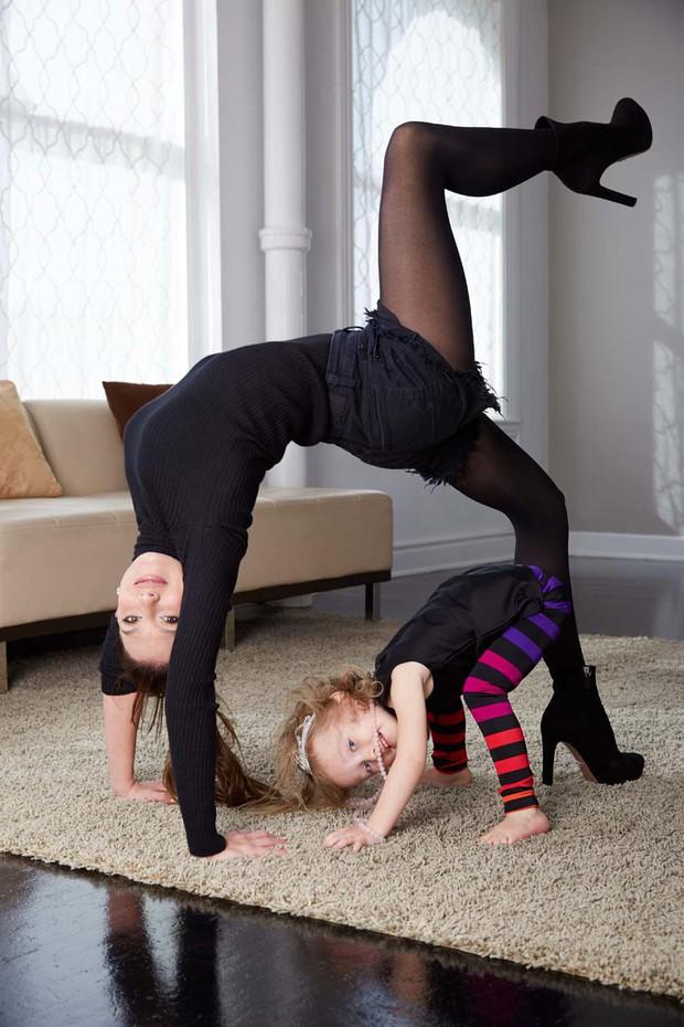 Trải qua 4 lần sinh nở, nữ hoàng yoga Hilaria Baldwin vẫn giữ dáng như thời con gái son trẻ: Tất cả bí quyết của cô ấy là đây - Ảnh 6.