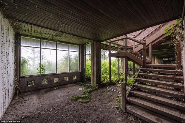 Khách sạn bỏ hoang bí ẩn trên đảo Bali: Hoàn hảo từ kiến trúc đến vị thế nhưng không bao giờ mở cửa - Ảnh 9.