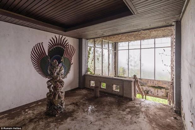Khách sạn bỏ hoang bí ẩn trên đảo Bali: Hoàn hảo từ kiến trúc đến vị thế nhưng không bao giờ mở cửa - Ảnh 10.