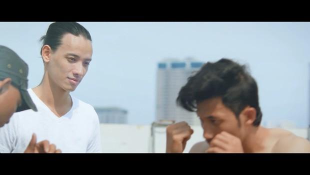 Xem MV mới của Trúc Nhân, F.A có thấy mình trong 3 chuyện tình đơn phương buồn này không? - Ảnh 2.