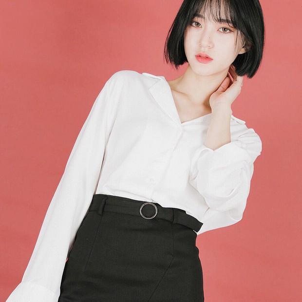 Sở hữu nhan sắc vừa mong manh vừa cá tính, cô nàng 22 tuổi trở thành nàng thơ giới lookbook Hàn - Ảnh 10.