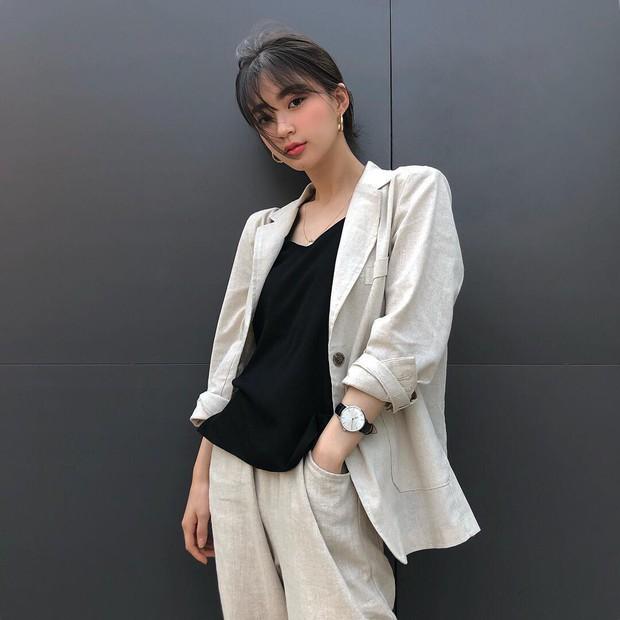 Sở hữu nhan sắc vừa mong manh vừa cá tính, cô nàng 22 tuổi trở thành nàng thơ giới lookbook Hàn - Ảnh 8.