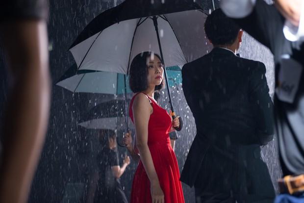 Tóc Tiên hóa linh hồn ám ảnh vì tình yêu trong MV hợp tác với bạn trai tin đồn Hoàng Touliver - Ảnh 5.