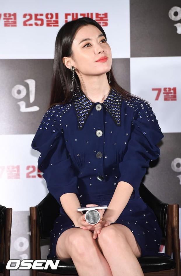 Thảm đỏ hội tụ toàn siêu sao: Thánh sống và Han Hyo Joo lần đầu lộ diện sau tin hẹn hò, Minho đọ với dàn tài tử - Ảnh 11.