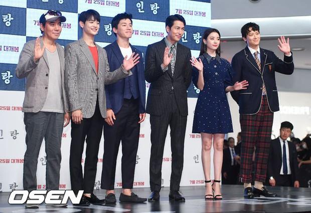 Thảm đỏ hội tụ toàn siêu sao: Thánh sống và Han Hyo Joo lần đầu lộ diện sau tin hẹn hò, Minho đọ với dàn tài tử - Ảnh 27.