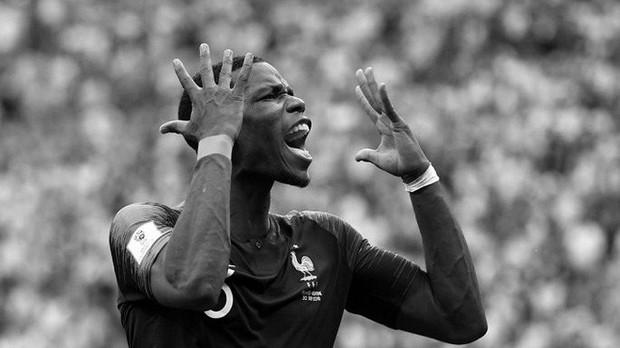 Messi, Ronaldo, Neymar, Mbappe, Pogba trong ảnh đen trắng khó quên ở World Cup - Ảnh 11.