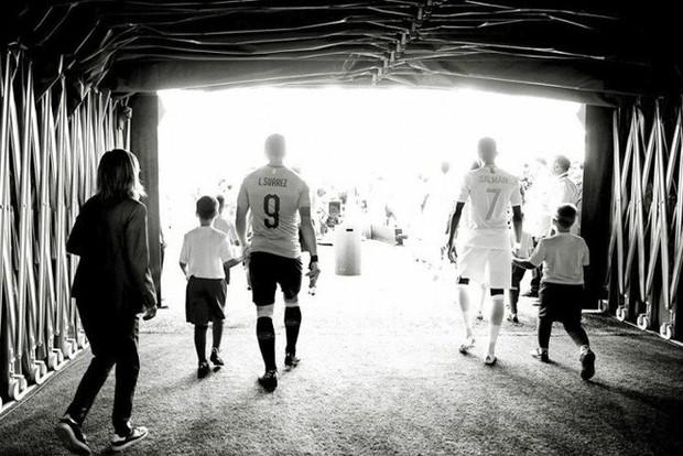 Messi, Ronaldo, Neymar, Mbappe, Pogba trong ảnh đen trắng khó quên ở World Cup - Ảnh 6.
