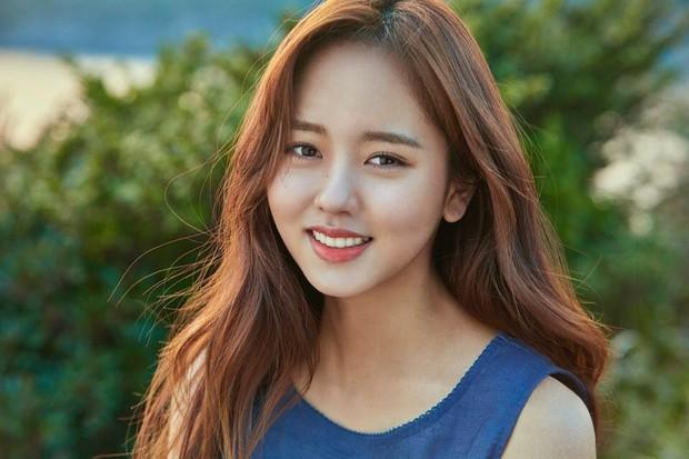 Sao nhí Mặt trăng ôm mặt trời một thời Kim So Hyun ngày càng xinh, nhưng ai ngờ lại đẹp đến mức này! - Ảnh 2.