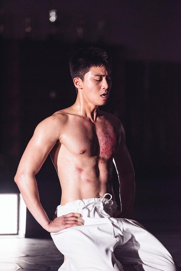 6 lần Phó Chủ tịch Park Seo Joon đốt mắt bà con bằng body đẹp phát ngợp - Ảnh 11.