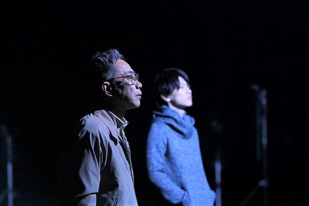 Sắm vai ác, trai đẹp Sato Takeru bùng nổ diễn xuất, lấn lướt Bác Già Siêu Nhân trong live-action Inuyashiki - Ảnh 2.