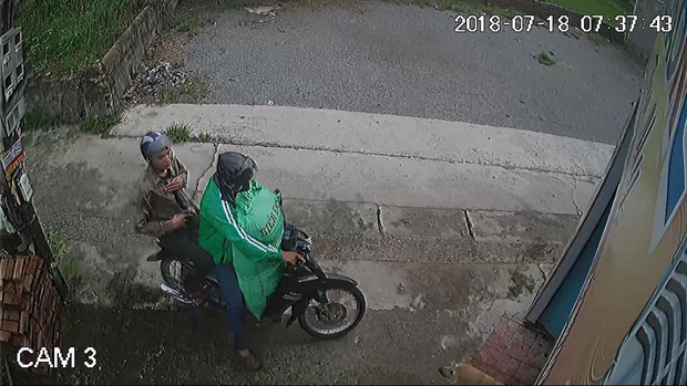 Hà Nội: Cư dân mạng truy tìm thanh niên mặc áo GrabBike chở bạn đi trộm chó nhiều lần - Ảnh 2.