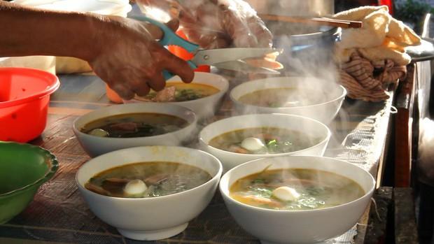 Cầm 10k ăn sập Đà Nẵng với những món ăn vừa ngon vừa độc đáo, có tin được không? - Ảnh 10.