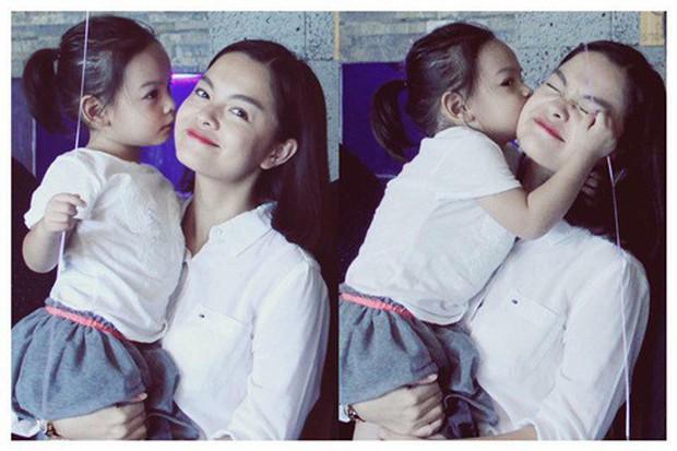 Mới 6 tuổi, con gái Phạm Quỳnh Anh đã biết quan tâm, nhắn tin hỏi thăm khi mẹ đi diễn xa - Ảnh 3.