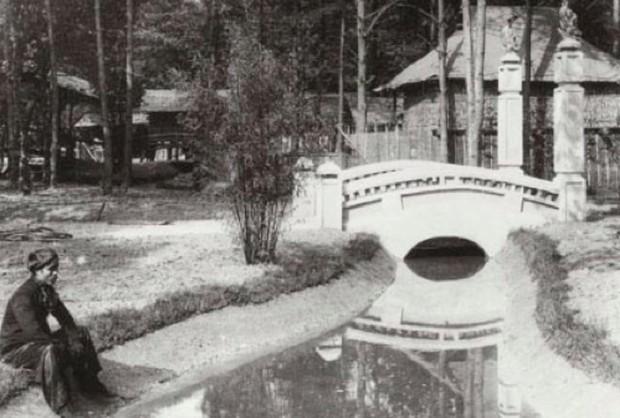 Bên trong khu vườn bị bỏ hoang ở Paris, nơi 100 năm trước con người từng bị đem ra triển lãm, mua vui chẳng khác gì ở sở thú - Ảnh 13.