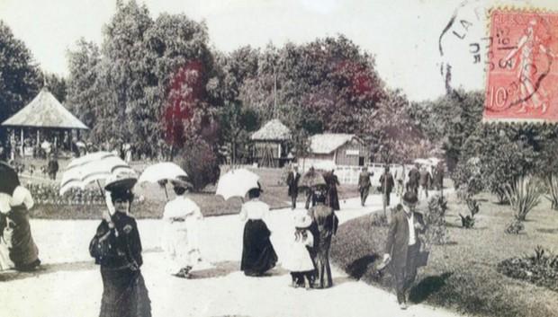 Bên trong khu vườn bị bỏ hoang ở Paris, nơi 100 năm trước con người từng bị đem ra triển lãm, mua vui chẳng khác gì ở sở thú - Ảnh 11.