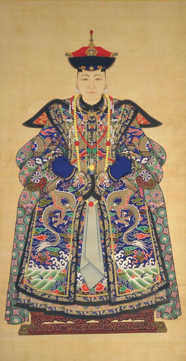 Truyền kỳ cuộc đời Tô Ma Lạt: Cung nữ duy nhất được cả hoàng tộc kính trọng, chết đi có hoàng đế để tang, xây lăng mộ - Ảnh 1.