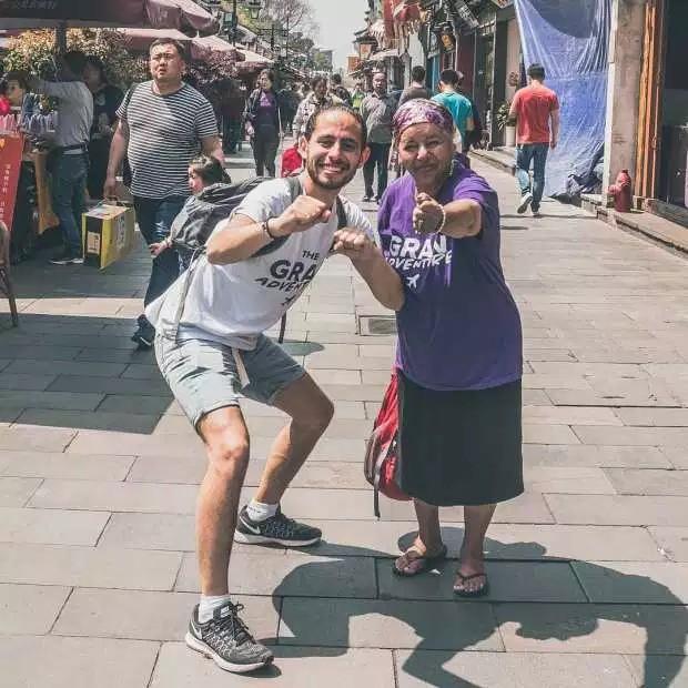 Câu chuyện cảm động về chàng trai người Thụy Điển cùng bà nội đi phượt khắp Châu Á - Ảnh 3.