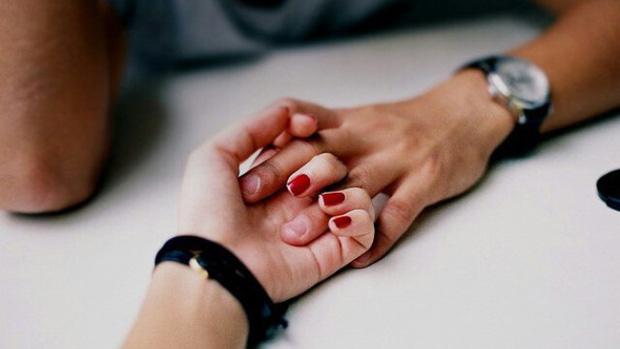 Bàn tay nữ giới ẩn chứa 1 bí mật mà chỉ khi nắm tay người ấy mới phát hiện - Ảnh 1.