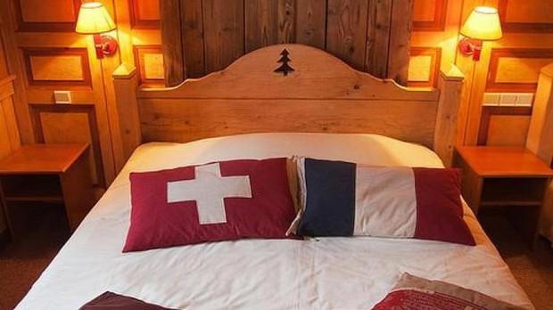 Khách sạn độc đáo nằm giữa biên giới: Khách nằm ngủ ở Thụy Sĩ nhưng lại phải sang Pháp đi vệ sinh - Ảnh 5.