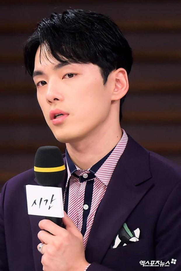 Ăn gạch vì thô lỗ, bơ đẹp Seohyun tại sự kiện, sao nam School 2017 đưa ra lời giải thích gây sốc - Ảnh 3.
