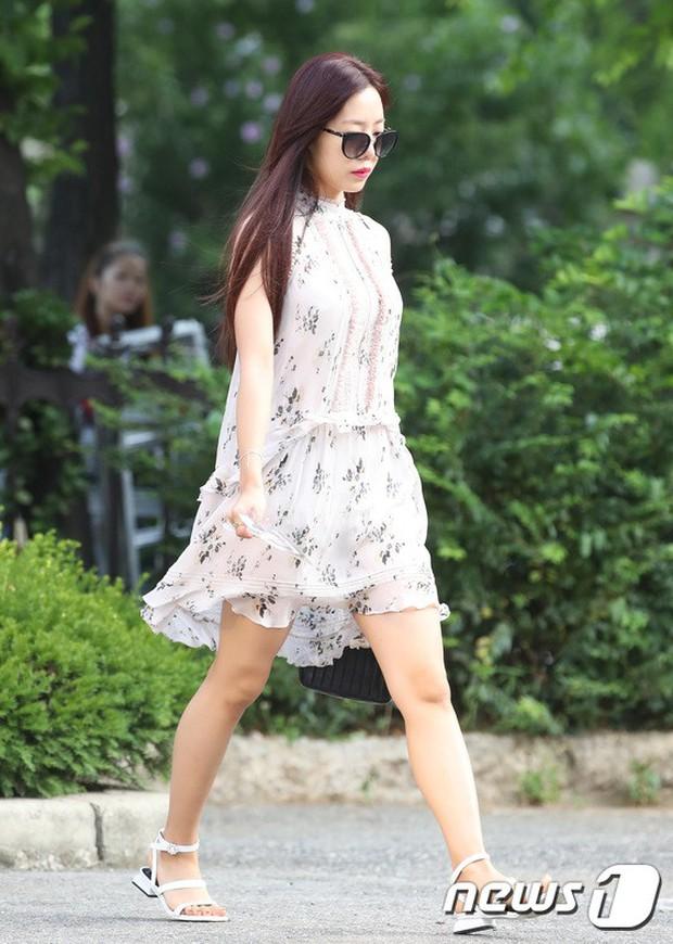 Quân đoàn mỹ nam mỹ nữ Kpop đổ bộ: Hyuna bỗng xinh bật lên so với dàn nữ thần, idol lộ vòng 3 vì mặc quần cũn cỡn - Ảnh 19.