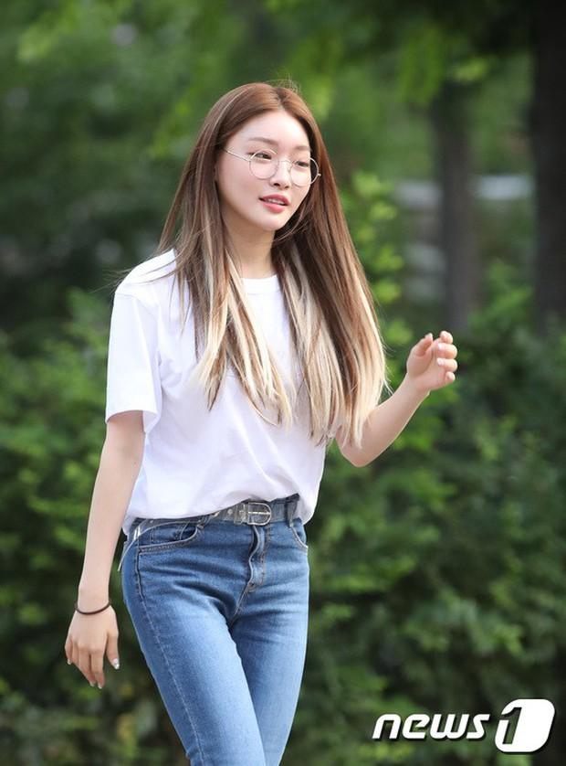 Quân đoàn mỹ nam mỹ nữ Kpop đổ bộ: Hyuna bỗng xinh bật lên so với dàn nữ thần, idol lộ vòng 3 vì mặc quần cũn cỡn - Ảnh 20.