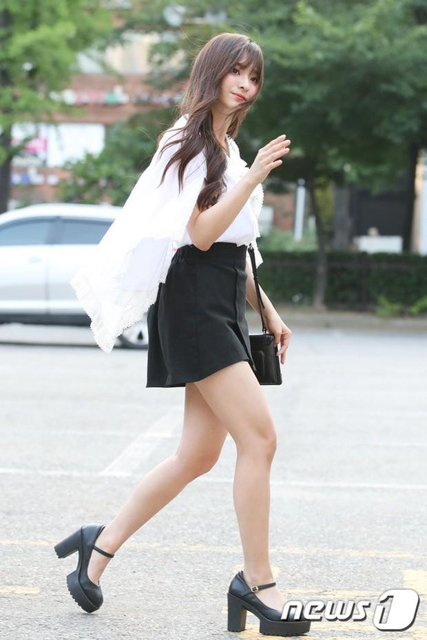 Quân đoàn mỹ nam mỹ nữ Kpop đổ bộ: Hyuna bỗng xinh bật lên so với dàn nữ thần, idol lộ vòng 3 vì mặc quần cũn cỡn - Ảnh 33.