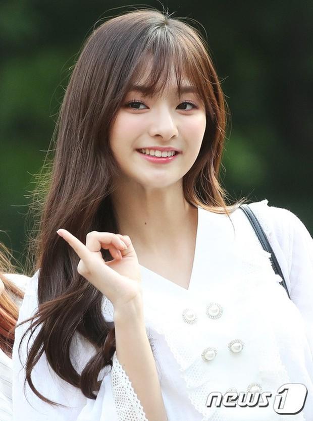 Quân đoàn mỹ nam mỹ nữ Kpop đổ bộ: Hyuna bỗng xinh bật lên so với dàn nữ thần, idol lộ vòng 3 vì mặc quần cũn cỡn - Ảnh 34.