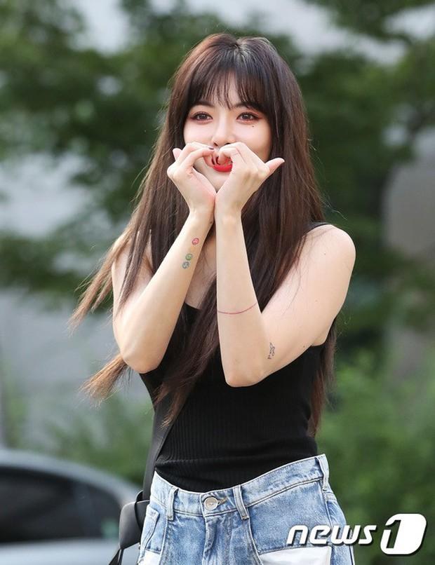 Quân đoàn mỹ nam mỹ nữ Kpop đổ bộ: Hyuna bỗng xinh bật lên so với dàn nữ thần, idol lộ vòng 3 vì mặc quần cũn cỡn - Ảnh 3.
