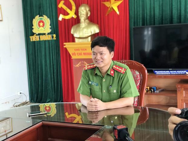 Giáo viên dạy Văn ôn luyện cho 35 chiến sĩ nghĩa vụ: Điểm thi thử của các em tương đồng với điểm thi thật, em nào học tốt vẫn giữ vị trí top đầu - Ảnh 4.