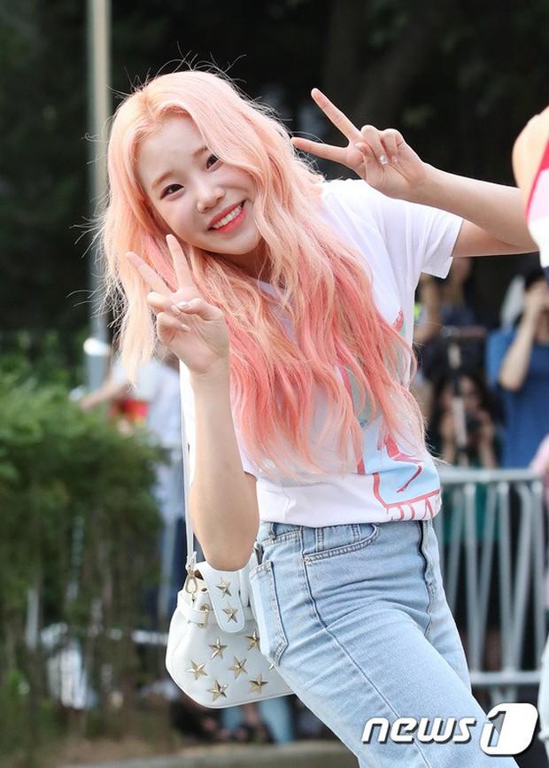 Quân đoàn mỹ nam mỹ nữ Kpop đổ bộ: Hyuna bỗng xinh bật lên so với dàn nữ thần, idol lộ vòng 3 vì mặc quần cũn cỡn - Ảnh 32.