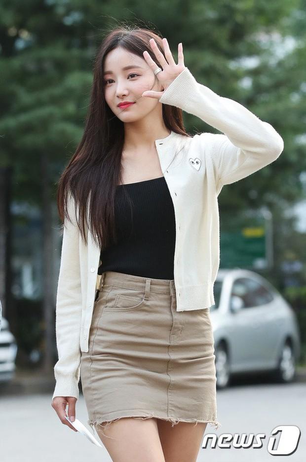 Quân đoàn mỹ nam mỹ nữ Kpop đổ bộ: Hyuna bỗng xinh bật lên so với dàn nữ thần, idol lộ vòng 3 vì mặc quần cũn cỡn - Ảnh 10.