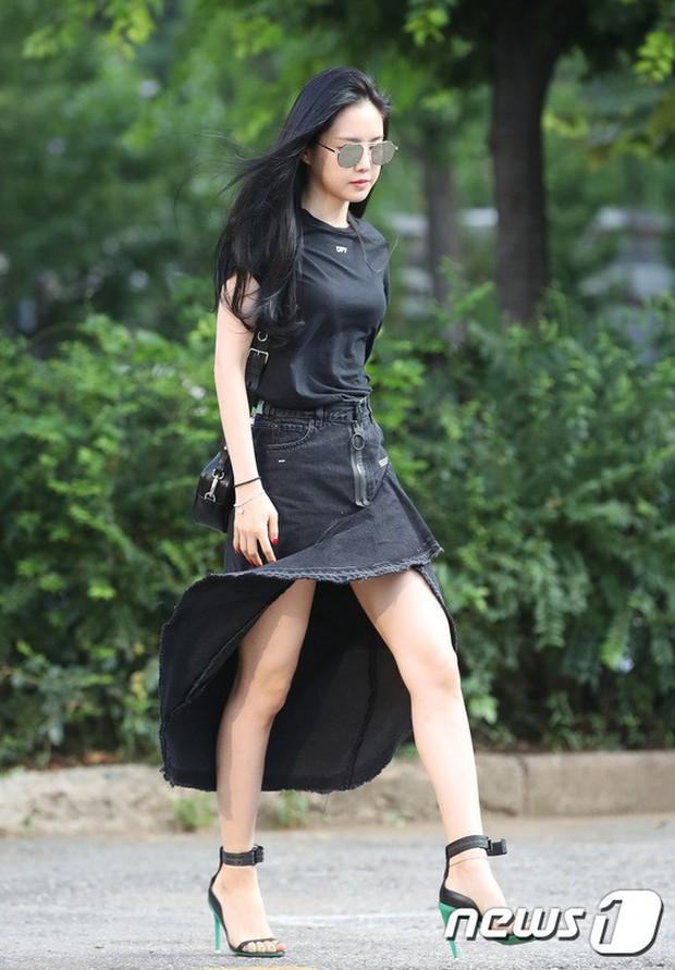 Quân đoàn mỹ nam mỹ nữ Kpop đổ bộ: Hyuna bỗng xinh bật lên so với dàn nữ thần, idol lộ vòng 3 vì mặc quần cũn cỡn - Ảnh 17.