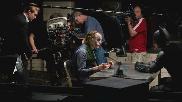 10 năm sau khi ra mắt, cùng nhìn ngắm di sản mà The Dark Knight đã để lại - Ảnh 4.